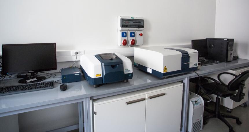 spektrometr dichroizmu kołowego FVS-6000 VCD, spektrometr Jasco 4000 F
