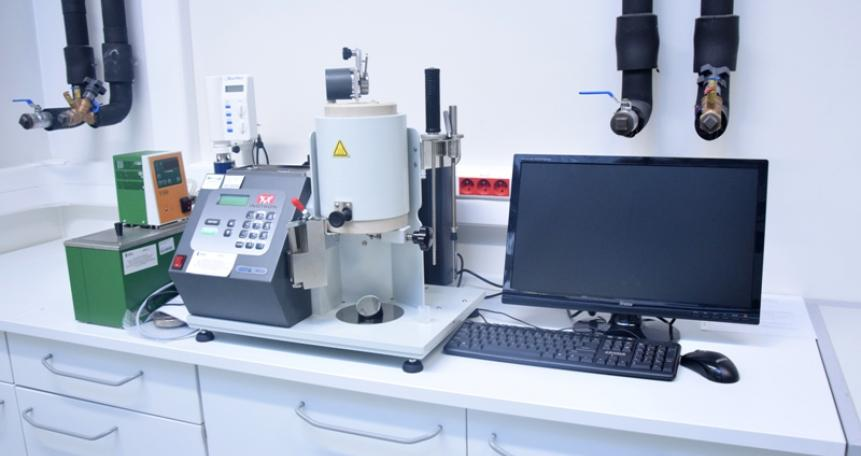 Plastometr obciążnikowy – CEAST MF20 (Instron)