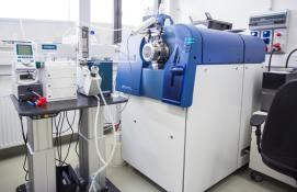 Spektrometr mas typu QTOF (5600+, AB Sciex)